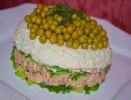 Миниатюра к статье Салат с консервированным лососем