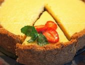Миниатюра к статье Любители творога должны распробовать это «творожное наслаждение», я уверена. Пирог отлично подойдёт для завтрака, так как получается очень сытным, нежным и очень «творожным». Можно добавить ваших любимых ягод, полить пирог ягодным сиропом и наслаждаться...