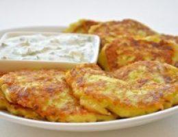 Миниатюра к статье Оладьи из кабачков с сыром и чесноком