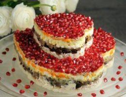 Миниатюра к статье Красивый слоеный салат — «Два сердца»