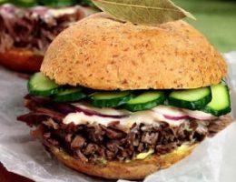 Миниатюра к статье Рецепт бургера из тушеной говядины