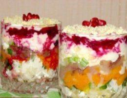 Миниатюра к статье Слоеный салатик со скумбрией «Новый год»