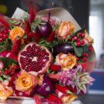 Букеты цветов для девушки на День Рождения: оригинальные идеи с фото